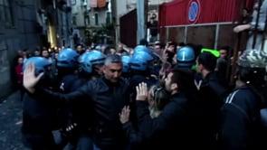 Materdei risponde allo sgombero. Napoli resiste